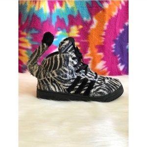 super popular 4f992 27a8e Adidas Zebra Jeremy Scott Sneakers